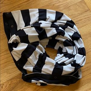 Lululemon black and white stripe vinyasa scarf